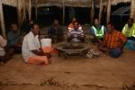 mieszkańcy wioski na Dravuni podczas sevusevu