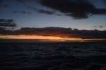 dopływamy do Yasawa i czekamy na światło