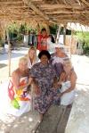 nasze damy z właścicielką wyspy Nanuya