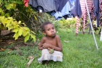 dziewczynka z praniem