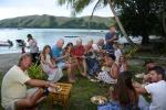 jemy tradycyjną kolację fidżijską - lovo