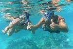 Tomek zabrał Basię na pierwsze w jej życiu snorklowanie