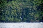 jeden z wielu wodospadów na wschodnim wybrzeżu Taveuni