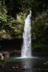 najniżej położony wodospad z trzech w Tavoro