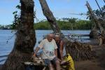 Lucynka z Tomkiem na tle zatoki Vurevure