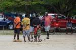 popołudniowe rozrywki mieszkańców Port Villa