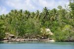 pomost w wiosce Marau na Wyspie Marapa