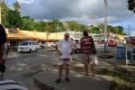 Tomek na głównej ulicy w Port Villa