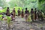 taniec kobiet i dzieci z plemienia Small Nambas 1