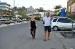 Hanuś i Mariusz na głównej ulicy w Honiarze 02.09.2014 ZS