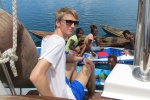 Marcin z dzieciakami z wioski Boboe na wyspie Vonavona MT