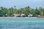 jedna z wiosek w Marovo Lagoon
