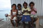 dziewczynki na kei w Gizo ZS