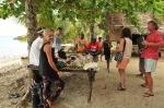 nasza ekipa z wizytą w wiosce na Panasia Island ZS