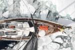 60 tonowa Katharsis II rozpycha przejście w lodach