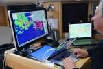 Mariusz analizuje najnowszą mapę lodową zamkniętego wejścia na Morze Rossa