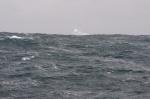 góry lodowe wśród fal Oceanu Południowego 1