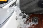 kokpit zamineiony w wannę ze słoną wodą