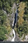 jeden z niezliczonych wodospadów w Doubtfull Sound 1