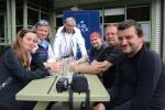 ekipa Katharsis na piwie w Milfordzie ze spotkanym tam  Robertem