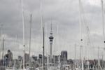 panorama Auckland - jachty i wieża telewizyjna