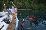 rozmowy z mieszkańcami pobliskiej wyspy ZS