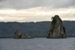 przy tych skałach była przed wybuchem wulkanu wioska ZS