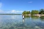 wódz Douglas na tle Upuos Island