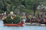 łódź zbliża się do plaży