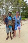 Janek ze swoim przyjacielem Kenfilem i jego dziećmi