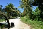 główną drogą na Kiriwinie jedziemy do naczelnego wodza