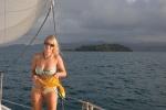 Hanuś na tle Samarai Island