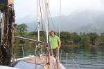 Mariusz na tle Discovery Bay 05.07.2015