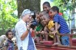 dzieciaki zachwycone swoimi zdjęciami ZS