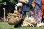 kobieta z nununinga - kobiecymi pieniędzmi