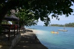 plaża i bar przy Jais Aben Resort