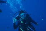 Weronika pokazuje, że jest ok, chociaż dookoła pełno rekinów