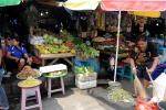 wybór warzyw i owoców na targu w Ambon