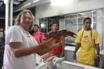 Mariusz wybiera rybę na kolację