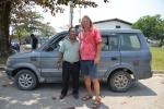 Alex pomagał nam w przebrnięciu przez biurokrację urzędników indonezyjskich