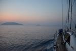 dopływamy do Kri na Raja Ampat