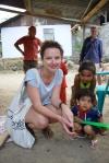 Madzia oczarowana dzieciakami z wioski Lonthoir