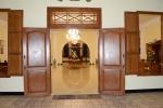 wejście do lobby hotelu