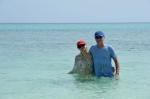Magda z Markiem w lazurowej wodzie koło Flores