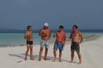 łyk zimnego Bintang na rajskiej plaży