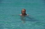 Madzia w turkusowej wodzie przy Gill Lawa Laut ZS