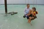 Hanuś z Antosiem późnym popołudniem na plaży przy Biyaadhoo AM