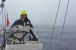 kapitan za sterem - zaraz uderzy silny wiatr