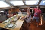 śniadanie na przywitanie i świeżo upieczone bułki ZS
