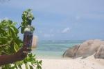 lokalny rum takamaka na plaży AM